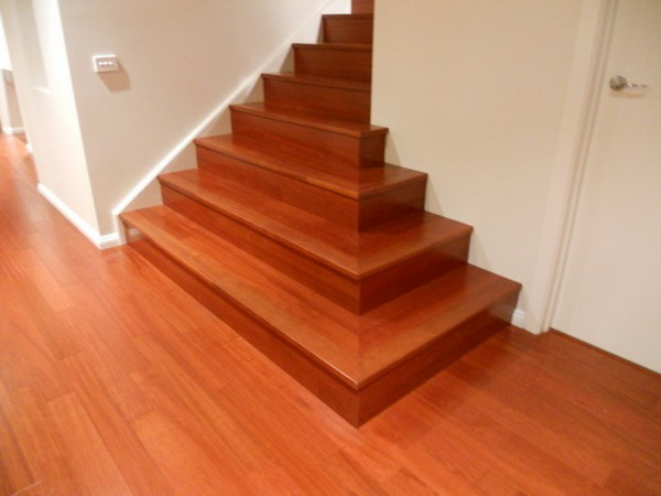 Wood stair.10