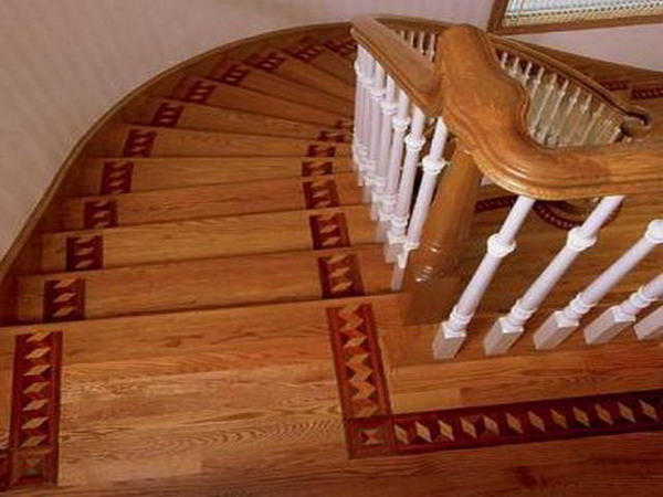 Wood stair.16